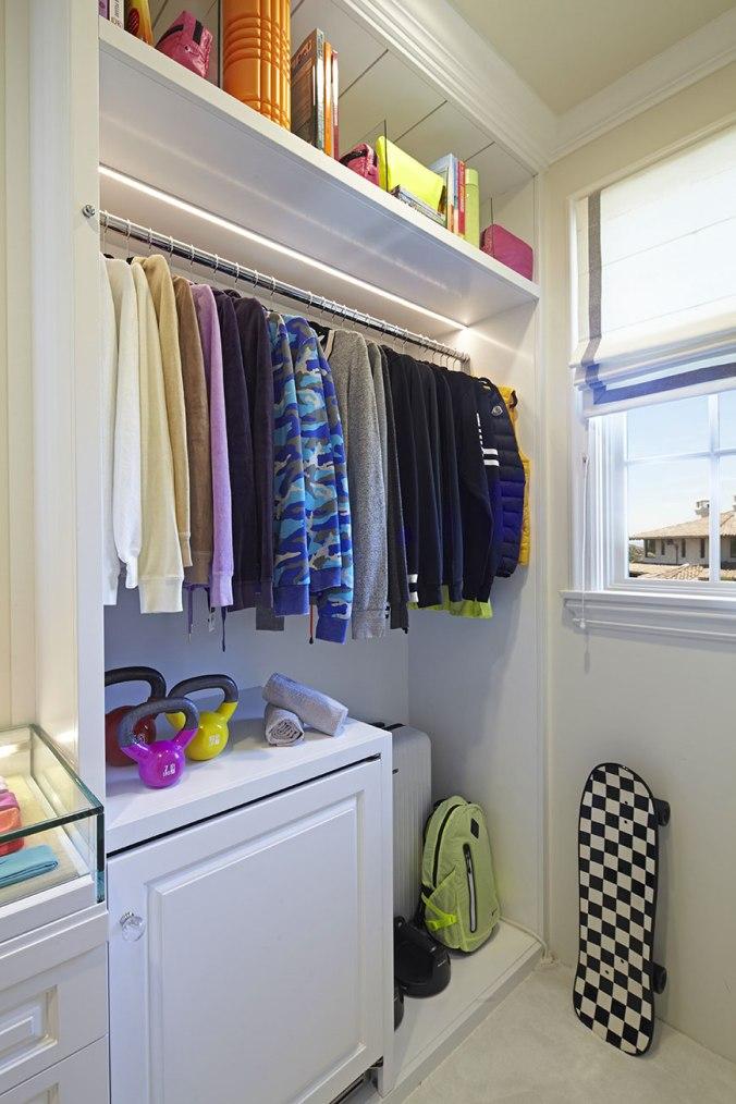 khloe-kardashian-closet-5