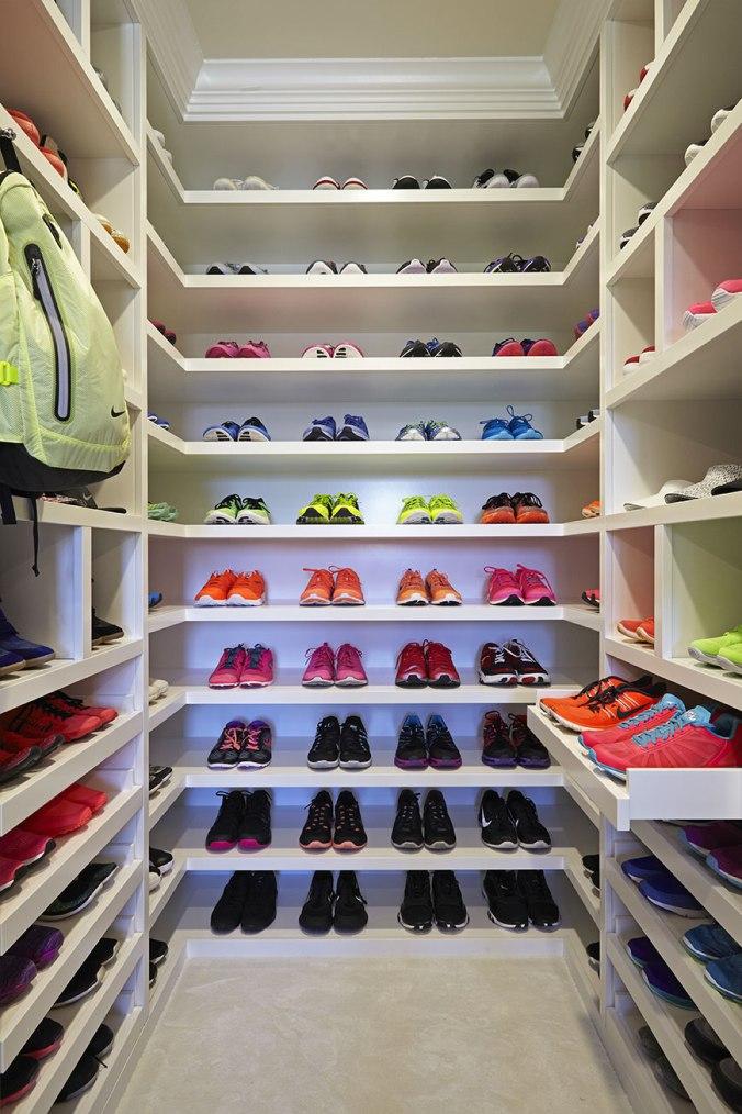 khloe-kardashian-closet-8